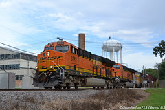 BNSF 3782 GE ET44C4 (Trucks, Buses, & Trains by granitefan713) Tags: train freighttrain locomotive ge generalelectric bnsf burlingtonnorthernsantafe rochelle aurorasub bnsfaurorasub railroad railfan gevo geevolutionseries geet44c4 et44c4 et44ac tier4 newemissions h3 h3scheme mixedfreight manifest