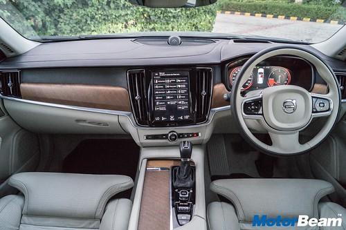 2016-Volvo-S90-30