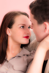 Tiefe Blicke (pietzucker) Tags: available atmosphere atmosphre alex berlin beautiful beauty boy canon 700d 50mm couple emotion eye eyes peoples female fem homeshooting impression indoor girl nice life jessica look love male man portrait pair shooting teen tender watch woman young