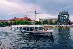 Sanssouci in Berlin (DOKTOR WAUMIAU) Tags: d7200 ishootraw nikon berlin fernsehturm jannowitzbrcke lightroom spree tokina1116 ufer ultrawide vscofilm wideangle