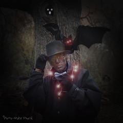 """Nuit Noire ... ( P-A) Tags: 31octobre halloween magie mystère noire fantôme enfants fête célébration costumes maquillage apparition déguisement silence cris hurlements photos simpa© """"nikonflickraward"""""""