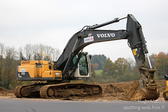 Vinci Construction | Volvo EC300Dl (spottingweb) Tags: spotting spotted spotter spottingweb véhicule vehicle france engin chantier travaux btp tp travauxpublics construction work construct build machine route autoroute a304 ardennes vinci vinciconstruction pelleteuse tractopelle pelle excavatrice excavator excavateur volvo