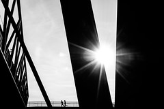 Morning run (jockellucas) Tags: schwarz weis bw black white people running geometric geometrie sun sonne