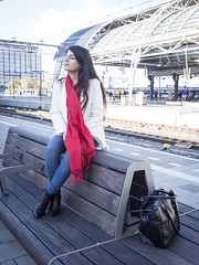 Nathalie, Amsterdam 2016: Station girl (mdiepraam) Tags: nathalie amsterdam 2016 centraal station platform portrait pretty beautiful elegant dutch brunette girl naturalglamour scarf denim jeans boots bag bench