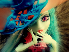 ♥ (♥ MarildaHungria ♥) Tags: doll ghost haunted pirate doubloons vandala monsterhigh
