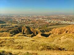 Subiendo a la cima del Ecce Homo: otra perspectiva de las vistas de Alcal de Henares (Cris__CG) Tags: mountain yellow amarillo views vistas montaa alcaldehenares eccehomo