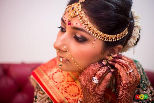 Fine details of her jwellery - so graceful and elegant