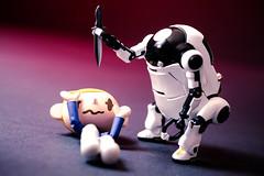 order 65 (Selphybrand) Tags: bear red white macro art toy venus bokeh sony knife 60mm lowa f56 wego revoltech a7s mechatro