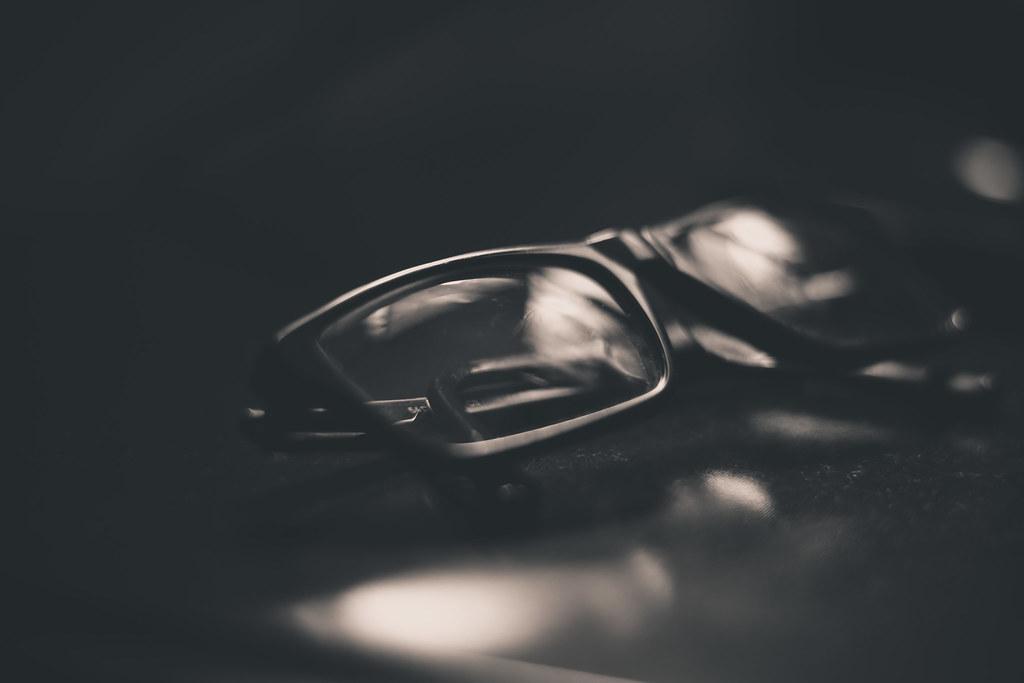 e45b4c2e2 Glasses (Fe_Lima) Tags: blackandwhite bw composition dark reflecting  glasses reflex nikon different pb