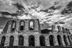 Gubbio (Aldo Cicirello) Tags: bn paesaggio umbria gubbio anfiteatroromano