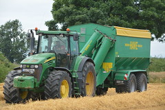 John Deere 7920 Tractor with a Hawe Chaser Bin (Shane Casey CK25) Tags: john deere 7920 tractor hawe chaser bin grain cart graincart jd green castletownroche harvest grain2016 grain16 harvest2016 harvest16 corn2016 corn crop tillage crops cereal cereals golden straw dust chaff county cork ireland irish farm farmer farming agri agriculture contractor field ground soil earth work working horse power horsepower hp pull pulling cut cutting knife blade blades machine machinery collect collecting nikon d7100