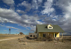 the yellow house and water tower (eDDie_TK) Tags: colorado co weldcountyco weldcounty weld keotaco abandoned ghosttown