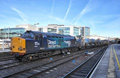 Sheffield Midland South Yorkshire 2nd November 2016 (loose_grip_99) Tags: railway railroad rail train midland station trains railways transportation sheffield yorkshire southyorkshire class37 england uk november 2016 37609 37605 drs directrailservices