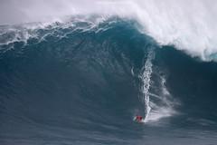 IMG_0954 copy (Aaron Lynton) Tags: peahi jawas jaws surfing surf lyntonproductions lynton big wave xxl wsl canon 7d maui hawaii surfer