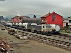 333+333 (firedmanager) Tags: train tren diesel galicia 333 padrón ferrocarril freighttrain renfe trena emd dieselelectric mercancías railtransport electromotivediesel renfemercancías