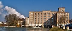 Grands moulins de Nogent-sur-Seine (Mallessoute) Tags: seine rivire industrie fleuve patrimoine moulins nogent