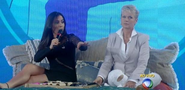 Na Xuxa, Anitta diz que ia dormir se tivesse na mesma cama que Neymar