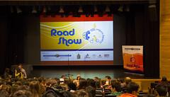 400 alumnos y alumnas han asistido al Road Show, una representación multimedia cuyo objetivo es concienciar a la juventud acerca de los peligros de la carretera.