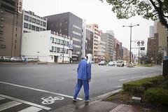 Weak rain / JAPAN (mokuu) Tags: rain 雨 歩く タオル