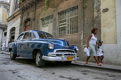 Cuba (43) (Polis Poliviou) Tags: auto voyage street travel art heritage classic cars beauty car america canon sketch automobile paint artistic painted havana cuba colonial pesos castro fidel revolution malecon vehicle caribbean che 1960s colourful oldcar habana vacations limousine ernesto polis cubana luxurycar autocar cypriot havanavieja cubanrevolution cubacar patriaomuerte quevara cubaautomobile poliviou cubaauto polispoliviou