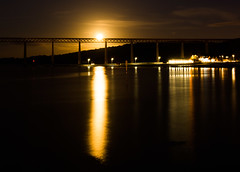 Moonrise over the Forth Rail Bridge #1 (Claire Stones) Tags: southqueensferry forthrailwaybridge october scotland huntersmoon reflection fullmoon moon firthofforth forthrailbridge nikon forth