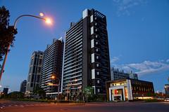 2016-10-20 17.41.57 (pang yu liu) Tags: 2016 10 oct    10  building highrise bade taoyuan  night apartment