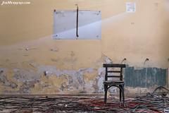 Chair & Nothin' (Joe Herrero) Tags: robregordo madrid apeadero abandono abandoned old joe herrero wwwjoeherrerocom silla chair