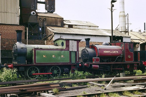 NER 1310 and Henry de Lacy II, Middleton Railway