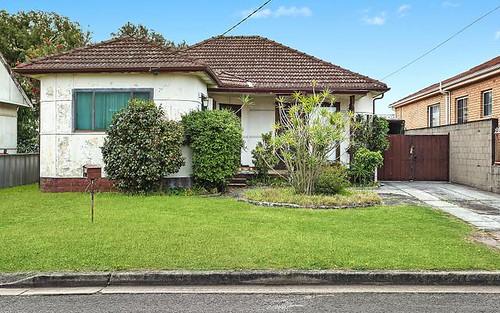 16 Warburton Street, Chifley NSW 2036