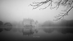 La Bretesche...encore (erictrehet) Tags: nikon nikkor d7000 loireatlantique architecture extrieur reflets paysage landscape noir black brouillard blanc white nikonpassion