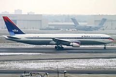 Delta 763 at FRA (atg3v) Tags: delta deltaairlines boeing767 767 767300 b767 763 frankfurtammain rheinmain fra eddf frankfurt germany hessen avi airliner