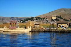 Altre dimensioni (Brozzi) Tags: naturaleza lake uros titicaca nature colors america lago boat barca honeymoon barco south natura colores per uccelli hut sur colori sud choza lunademiel suramerica lunadimiele capanna preinca