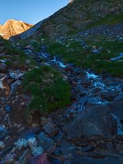 Ruisseau des Outlettes (Manolo Moliner) Tags: walking paisaje pyrénées pirineos randonnée gavarnie hautespyrénées pirineocentral barrancodossue
