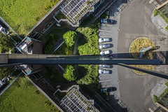 view from above (Blende1.8) Tags: essen nrw skyscraper hochhaus vonoben fromabove reflection spiegelung cars autos glas glass window fenster sony rx100 carstenheyer ruhrgebiet ruhrpott perspective hoch high vogelperspektive aerial birdseye urban city brogebude
