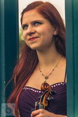 Violonistin Martina Miedl in den Grten (chrisgarphoto) Tags: blumenundpflanzen braut city elegant fashion frau geige herbst herrenhusergrten klassik menschen mode mdchen nanas natur outdoor personen portrts sexy violine klassischemusik natrlich rothaarig