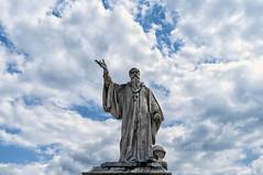 Sancte Benedicte, ora pro nobis (forastico) Tags: forastico umbria norcia statua sanbenedetto terremoto d60
