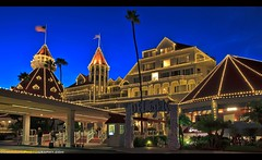Merry Christmas from the Hotel del Coronado! (Sam Antonio Photography) Tags: romantic san sand romance rich people relexing resort seaside season united usa vacation tourist tourism seasonal states old luxury christmas coronado decoration california buildings architecture beachfront beautiful del diego holiday hotel island historical glamour fashioned garden america samantoniophotography travel sandiego christ