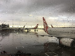 Melbourne Airport and QF485