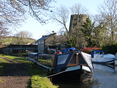 Canal View at Parbold (Thomas Kelly 48) Tags: leedsliverpoolcanal canal burscough gathurst panasonic lumix fz150 parbold windmill narrowboat