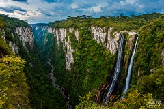 Andorinhas waterfalls in the Itaimbezinho Canyon (Melksedec Brito) Tags: canyon montain riograndedosul brasil