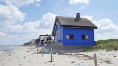 Haus am See (photograph-painter) Tags: see strand wasser nordsee wolken blau