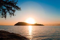 Sunset (Jeferson Felix D.) Tags: sunset pordosol brazil sun sol rio brasil riodejaneiro sunrise canon de island photography eos photo do foto janeiro fotografia ilha por amanhecer 18135mm 60d canoneos60d