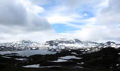 (helena.e) Tags: cloud mountain snow water berg norway norge sn haukeli moln fjll haukelifjell helenae