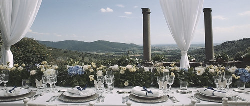21110091699_b978ba6d46 Cortona wedding video| L + A
