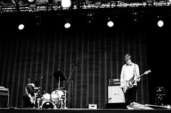 The Thurston Moore Band - La Route Du Rock - 2015 (Ludovic Macioszczyk Photography) Tags: the thurston moore band la route du rock 2015 nikon fm 135 kodak trix 400 isoludovic macioszczyk saintpère bretagne france © tag world monde earth ludovic iso asa film pellicule flickr monochrome noir et blanc black white concert gig show scène argentique analog lumière musique music son sound photo photographie photography grain 35mm camera vintage