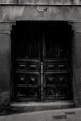 (SRPO) Tags: door blackandwhite puerta