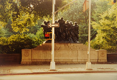 One Way - Don't Walk (eatmymoto) Tags: city summer urban usa newyork art america hope trafficlight big memorial war centralpark manhattan americanflag 1999 learning soldiers dontwalk oneway independenceday surviving denkmal bigpicture summer1999 bertelsmann