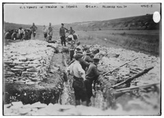 U.S. troops in trench in France (LOC) (The Library of Congress) Tags: military wwi weapon libraryofcongress cpi 687 xmlns:dc=httppurlorgdcelements11 grenadegun tromblon committeeonpublicinformation dc:identifier=httphdllocgovlocpnpggbain25714