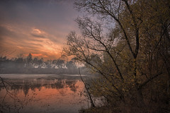 nebbia.... (paolo paccagnella) Tags: sunset red photo down photooftheday canonequipment golook bestoftheday 5d3 5dm3 primeshots yahoo:yourpictures=landscape yahoo:yourpictures=sunset phpph implusdaily yahoo:yourpictures=light potd:country=it countryit phpph© yahoo:yourpictures=photo