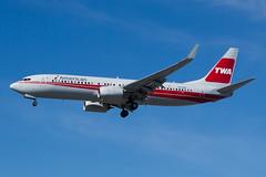 American Airlines Boeing 737-800 N915NN (jbp274) Tags: airport airplanes american boeing americanairlines aa twa 737 sna johnwayneairport logojet retrojet ksna